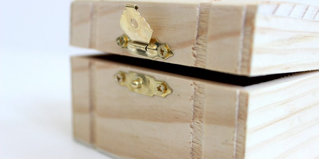 6 Cool Storage Ideas You Can Make Yourself