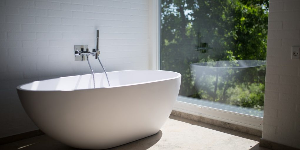 Tips and Tricks to Make a Small Bathroom Seem Larger