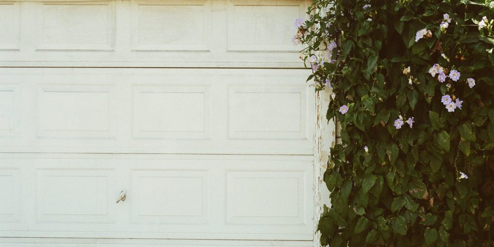 Check This Before You Search for A Garage Door Fixing Service