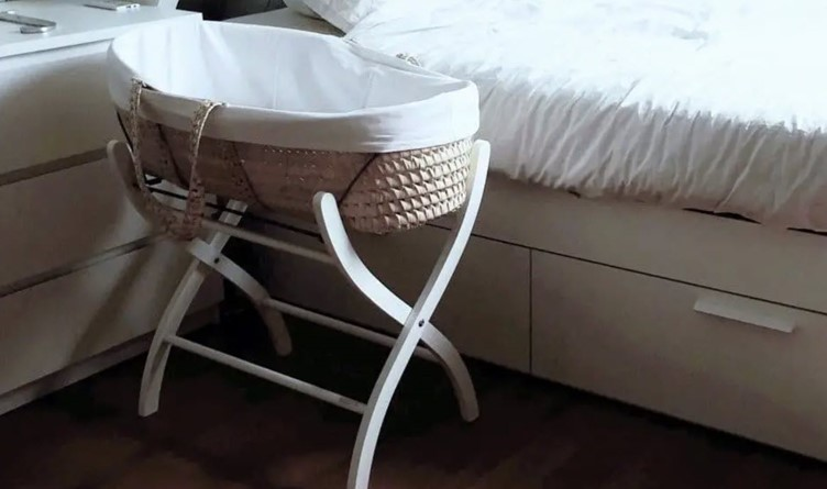 How Long a Baby Can Sleep in a Bassinet 2