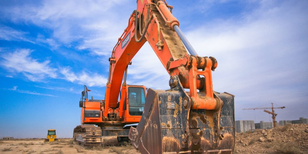 The Top 4 Reasons You Need to Employ Specialized Hauling Equipment for Your Next Project